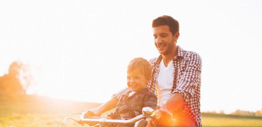 В Петербурге отец может получить срок за прогулку на велосипеде с сыном. Фото Getty