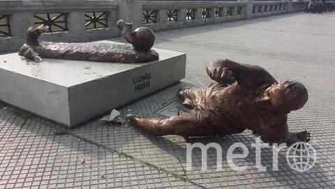 Так выглядит памятник после атаки вандалов. Фото instagram.com/worldfcb