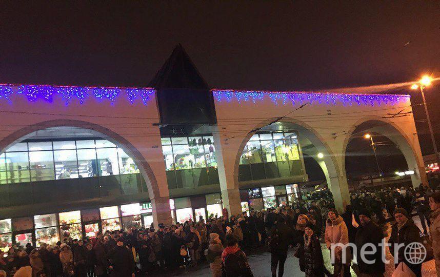 """В Петербурге закрыли две станции метро в """"час пик"""". Фото www.megapolisonline.ru"""