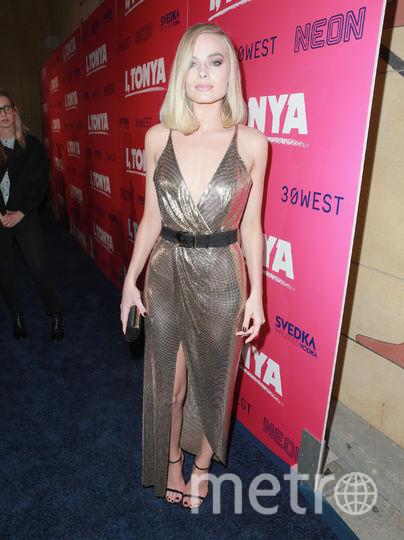 """27-летняя Марго Робби в шикарном наряде появилась в Голливуде на премьере картины """"Ледяная стерва""""/I, Tonya. Фото Getty"""