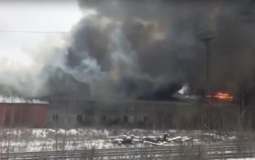 Пожарные потушили открытое горение встроении вСерпухове
