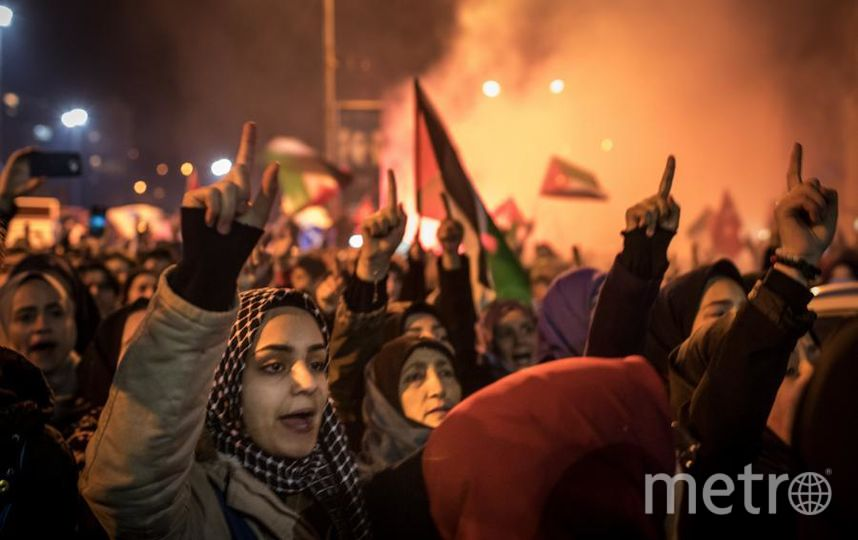 В Стамбуле начались демонстрации. Фото Getty
