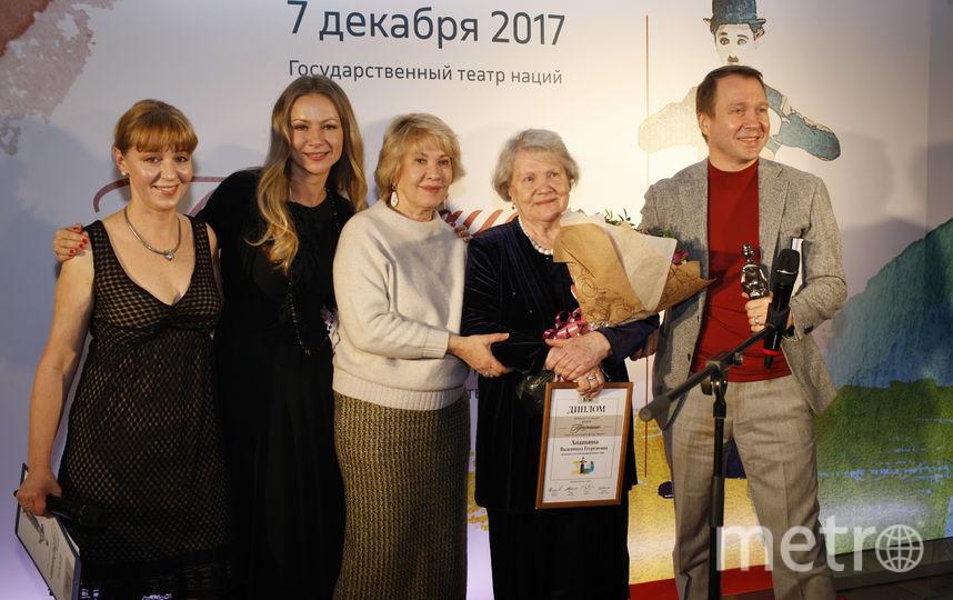 Евгений Миронов (крайний справа) с коллегами. Фото Сергей Петров