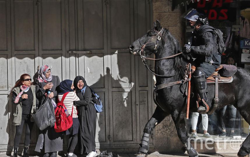 Полиция разгоняет палестинских протестующих. Фото AFP