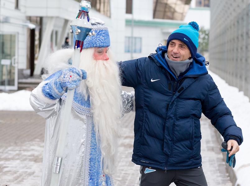 "Дед Мороз пришел в гости к ""Зениту"". Фото Скриншот www.instagram.com/zenit_spb/"