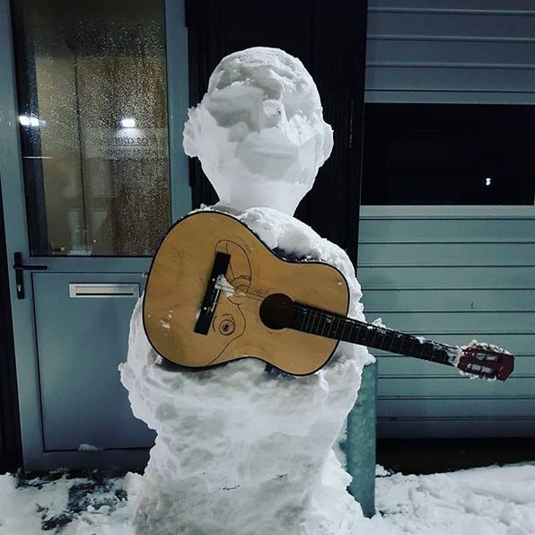 Самые странные и забавные снеговики в Instagram: Фото. Фото Скриншот Instagram: @juntobeats
