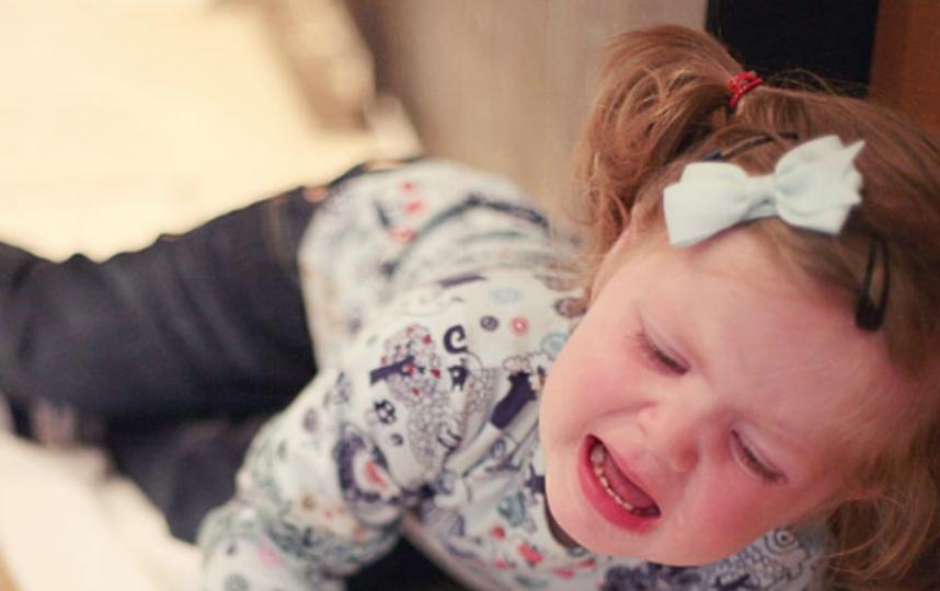 В Петербурге из окна выпала трехлетняя девочка. Фото Getty