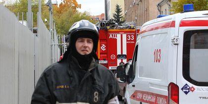 Башенный кран рухнул на стройке в Москве