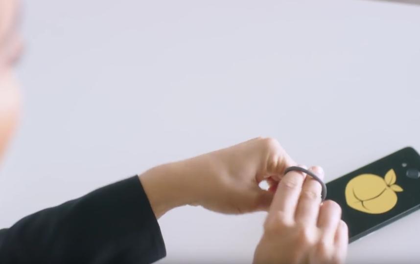 Канадская студия кино для взрослых представила порнофон. Фото Скриншот Youtube
