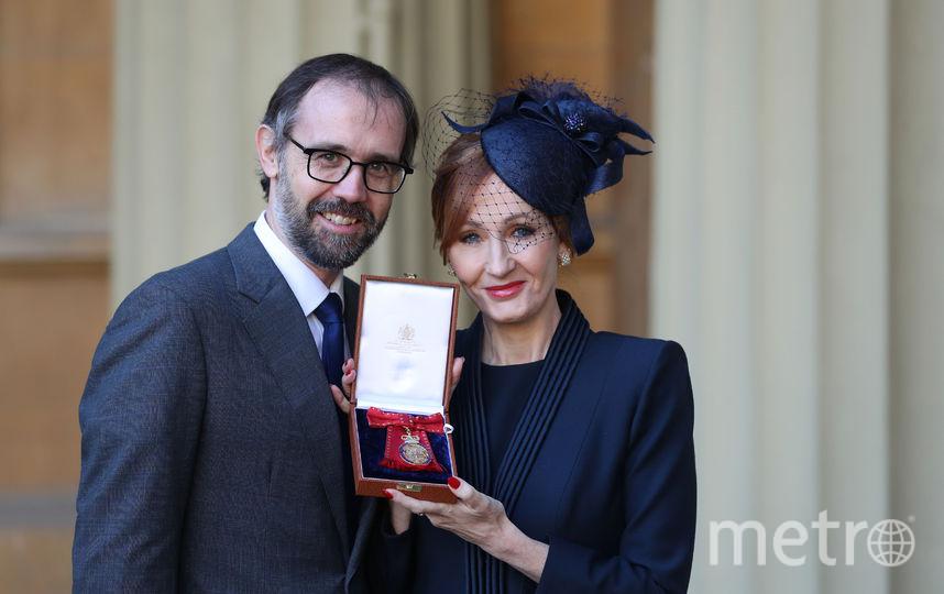 Роулинг стала кавалером ордена за свой вклад в литературу и благотворительность. Фото AFP