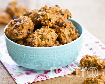 Овсяное печенье с нектаром агавы и изюмом. Фото dominosugar