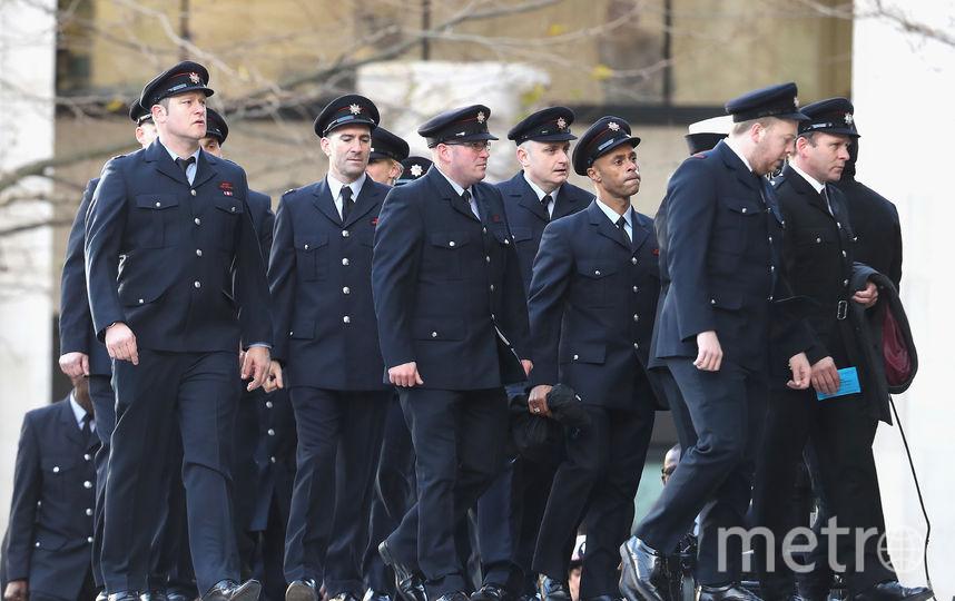 На траурной церемонии в память о погибших в пожаре в округе Grenfell Tower. Фото Getty