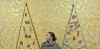 В Петербурге новогодние игрушки сделали из разных пород дерева