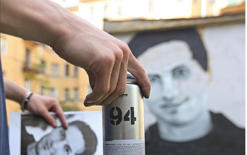 Наместе закрашенного портрета Павла Дурова появилось новое граффити