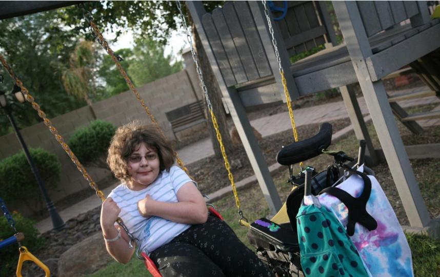 В США семья из четырех человек сменила пол. Фото Скриншот kjzz.org (Stina Sieg)