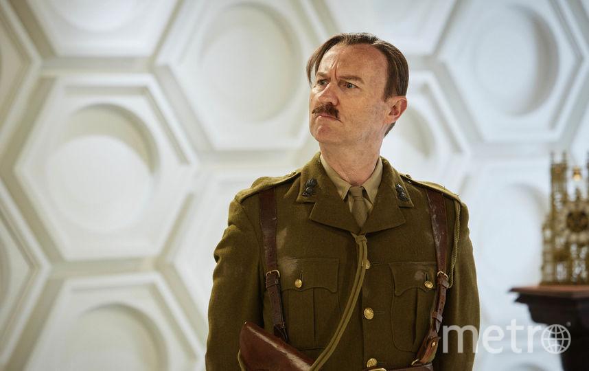 """Марк Гатисс в образе Капитана из сериала """"Доктор Кто"""". Фото ©2017 BBC/BBC Studios."""