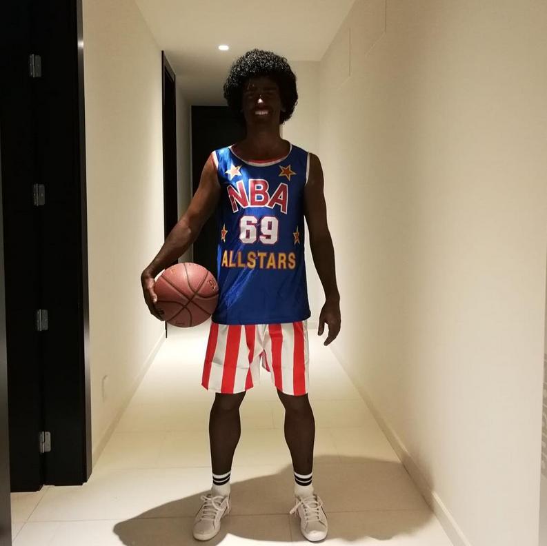 Футболиста Гризманна обвинили врасизме зафото встиле баскетболиста