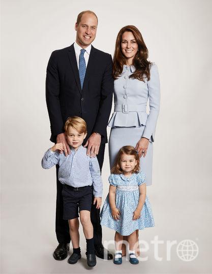 Официальный семейный портрет к Рождеству. Фото AFP