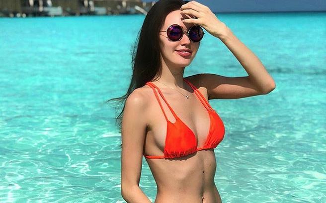 Ольга Бузова жаловалась, что унее более одного года небыло секса