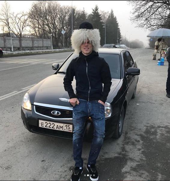 Фото Кокорина с двумя пистолетами появилось в блоге. Фото https://www.instagram.com/p/Bc22PMCFjne/?taken-by=kokorin9