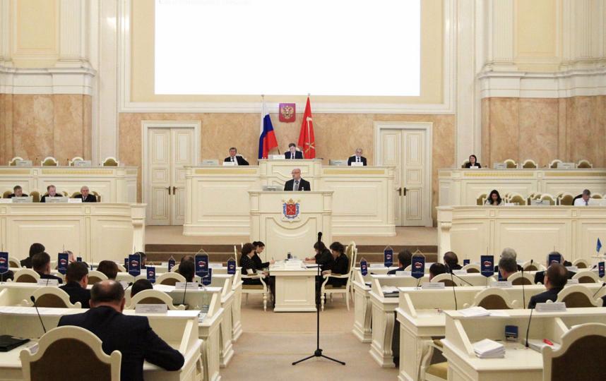 Депутаты петербургского ЗакСа рассказали, кто должен стать президентом РФ. Фото http://www.assembly.spb.ru