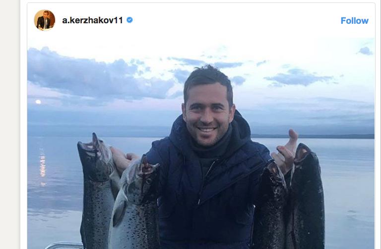 Кержаков с лососями. Фото instagram.com/a.kerzhakov11