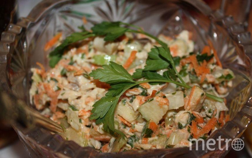 "Салат с курицей и сельдереем. Фото Алина Данг, ""Metro"""