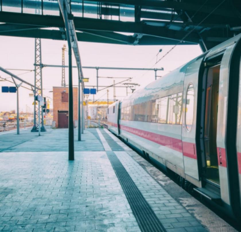 В Мытищах поезд насмерть сбил девочку. Фото Getty