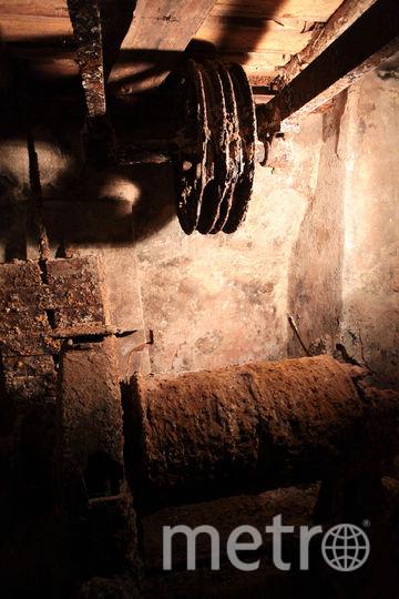 """В ГМЗ Гатчина нашли лифт 19 века. Фото Святослав Акимов, """"Metro"""""""