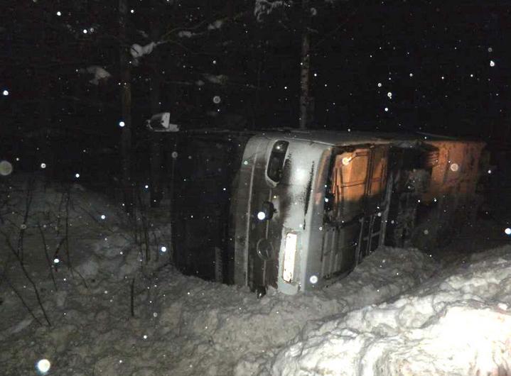 В Коми произошло ДТП с рейсовым автобусом. Фото http://www.gibdd.ru/r/11/news/