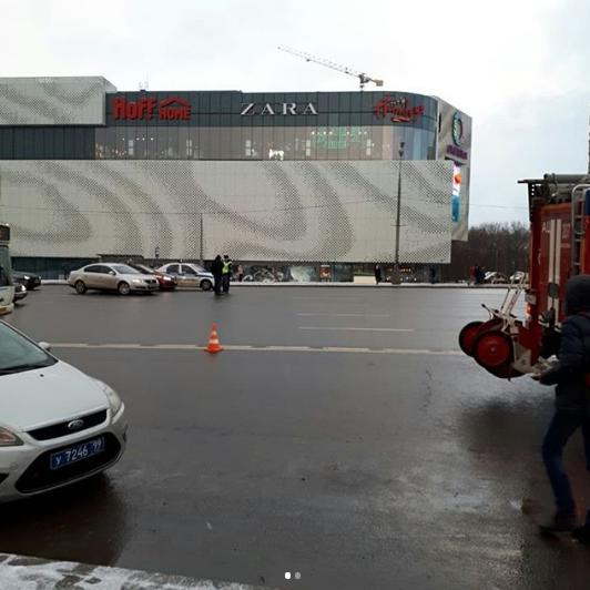 Кадры с места ДТП, где автобус въехал в подземный переход в Москве. Фото Instagram/ anatoliy_antonov