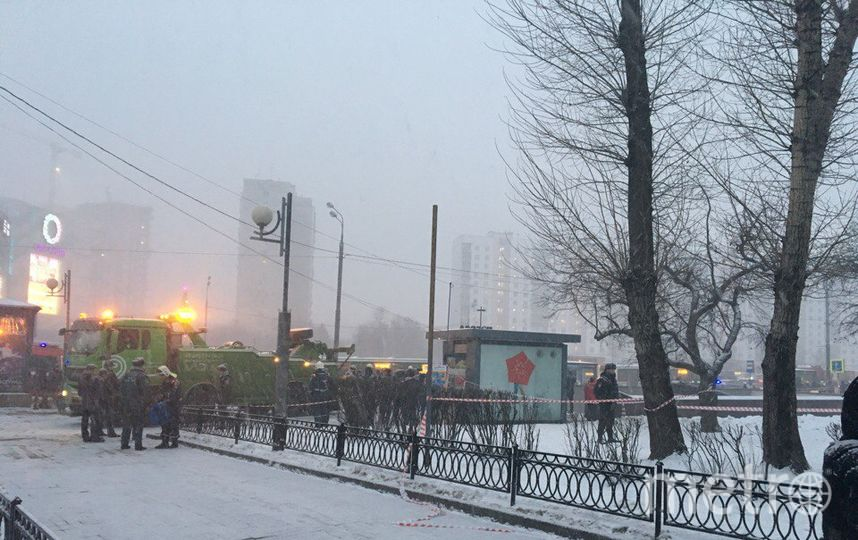"""Фото с места ДТП на Славянском бульваре в Москве. Фото Дарья Буянова, """"Metro"""""""