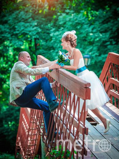Нас зовут Елена Алешина и Евгений Муравлев, мы из Москвы, и это фото с нашей свадьбы в 2014 году, в день ВДВ (муж служил как раз в ВДВ, и день свадьбы как раз попал на 02 августа)). Фото Елена