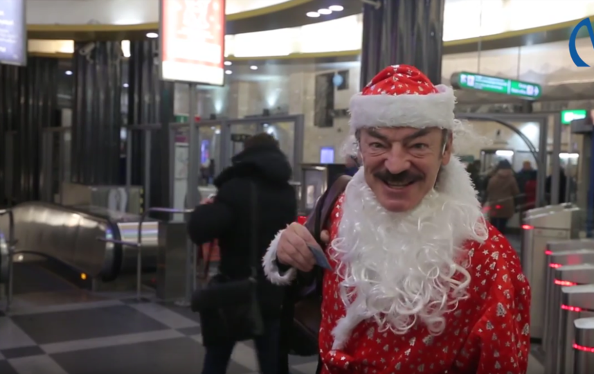 Боярский и Носков попросили жителей Петербурга не оставлять свои вещи в метро. Фото Скриншот Youtube