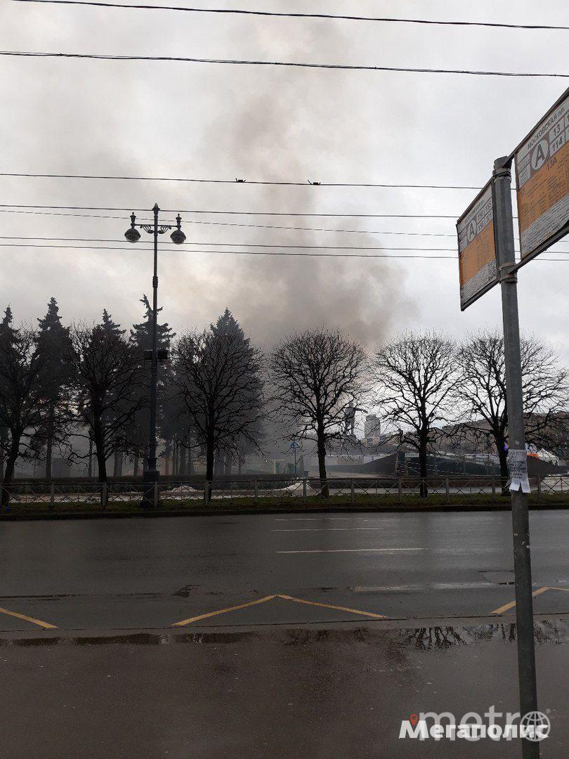 Фото очевидцев. Фото megapolisonline.ru, vk.com