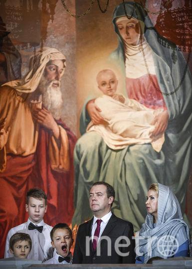 Премьер-министр России Дмитрий Медведев с супругой Светланой посетил ночное рождественское богослужение в храме Христа Спасителя в Москве. Фото AFP