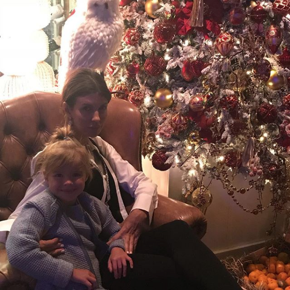 Алиса Аршавина с дочкой. Фото Скриншот Instagram: alisiaarshavina
