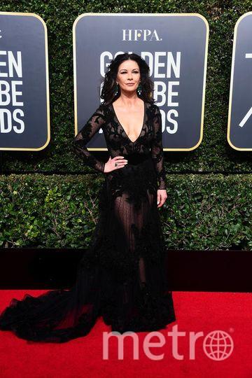 Актрисы на Golden Globe Awards. Кэтрин Зета-Джонс тоже была в черном. Фото Getty