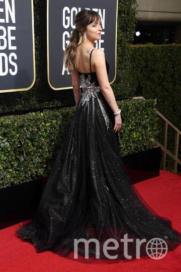 Актрисы на Golden Globe Awards. Дакота Джонсон. Фото Getty