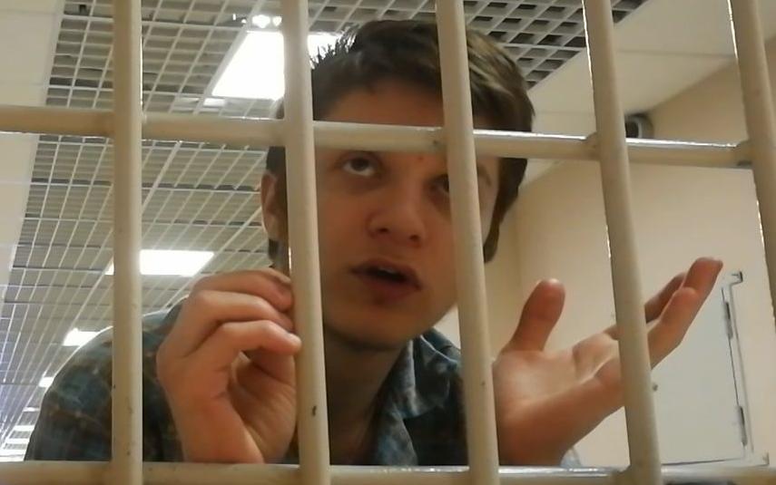 Суд начал рассматривать дело курсанта Можайки. Фото Предоставлено Виталием Черкасовым.