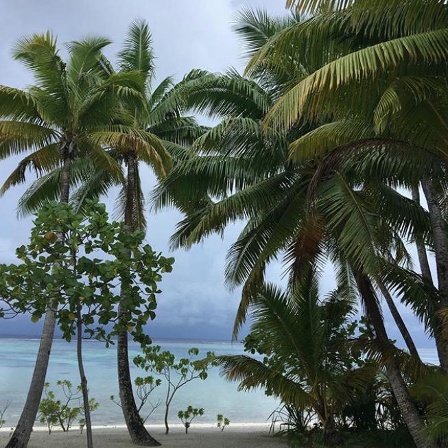 Ирина Шейк на берегу океана. Фото Instagram @irinashayk