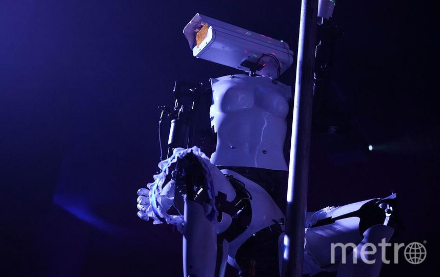Роботы-стриптизерши на выставке электроники в Лас-Вегасе. Фото Getty