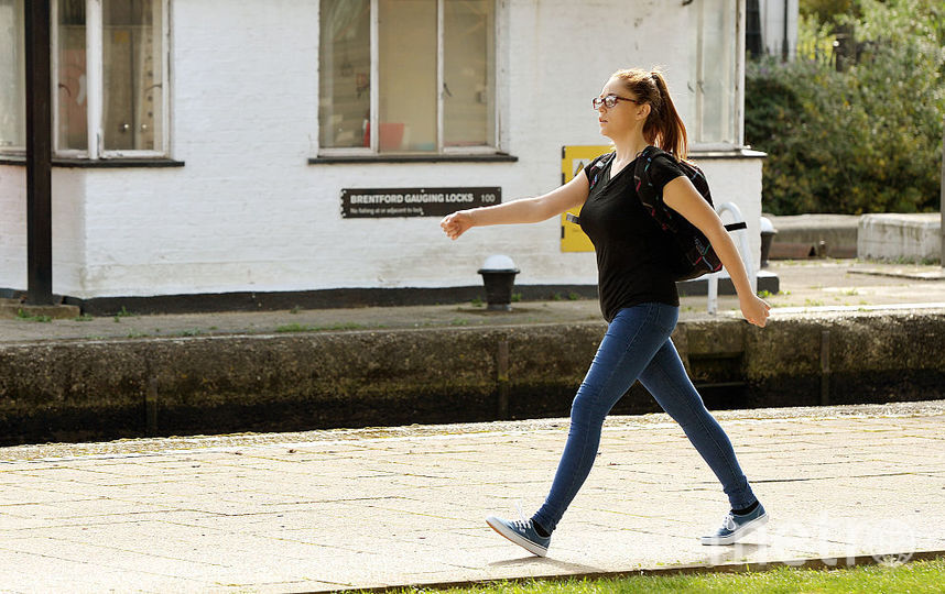 """СМИ: в английской школе учениц запретили называть """"девочками"""". Фото Getty"""