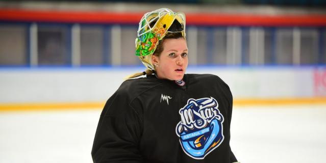 Вратарь Анна Пругова на Неделе звёзд хоккея в Астане.