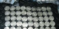 Иностранец пытался вывезти из России полторы тонны монет