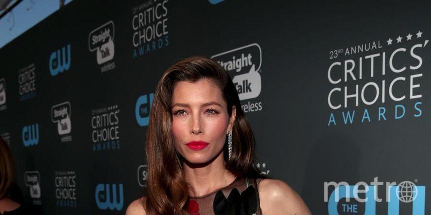 Звёзды на Critics' Choice Awards-2018. Джессика Бил. Фото Getty