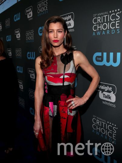 Звёзды на Critics' Choice Awards-2018. Джессика Бил. Фото Getty