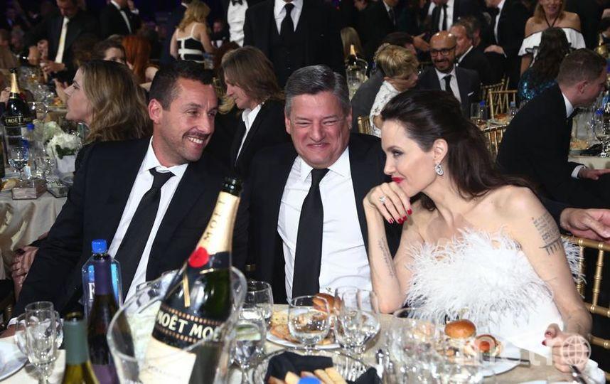 Анджелина Джоли произвела фурор образом насветском рауте