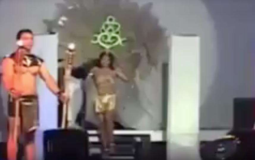 Выспуление на конкурсе красоты в Сальвадоре