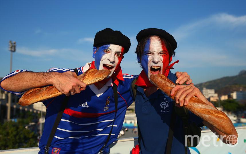 Французы с багетами. Фото Getty